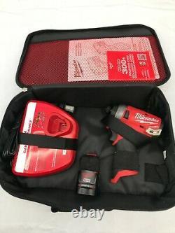 Milwaukee 2553-21 M12 Fuel 1/4 Hex Impact Driver Kit Combo, Gr